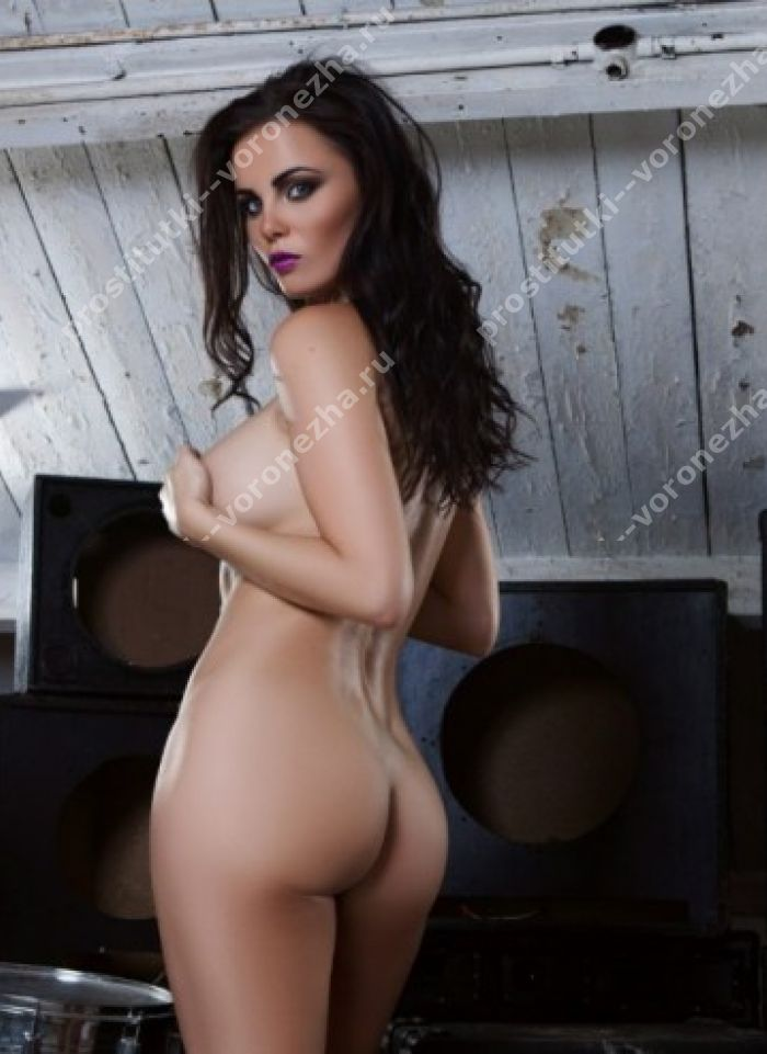 Emma Glover In Getting Cheeky Playboy Amateur Pictorial Sexu 1